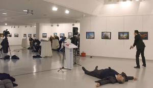 galeria-sf-asesinato-embajador-ruso-turquia-karlov-1