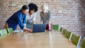 Analytics Leadership: Transcending the Technology to Find Success