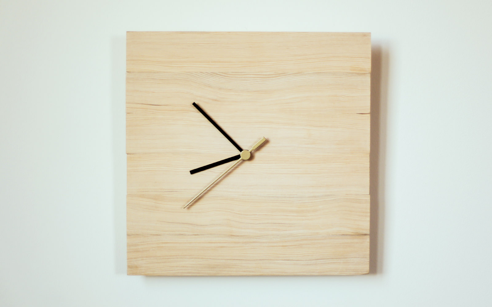 Ikea clock hack how to make your own idea clock dunn diy for Ikea renton hours