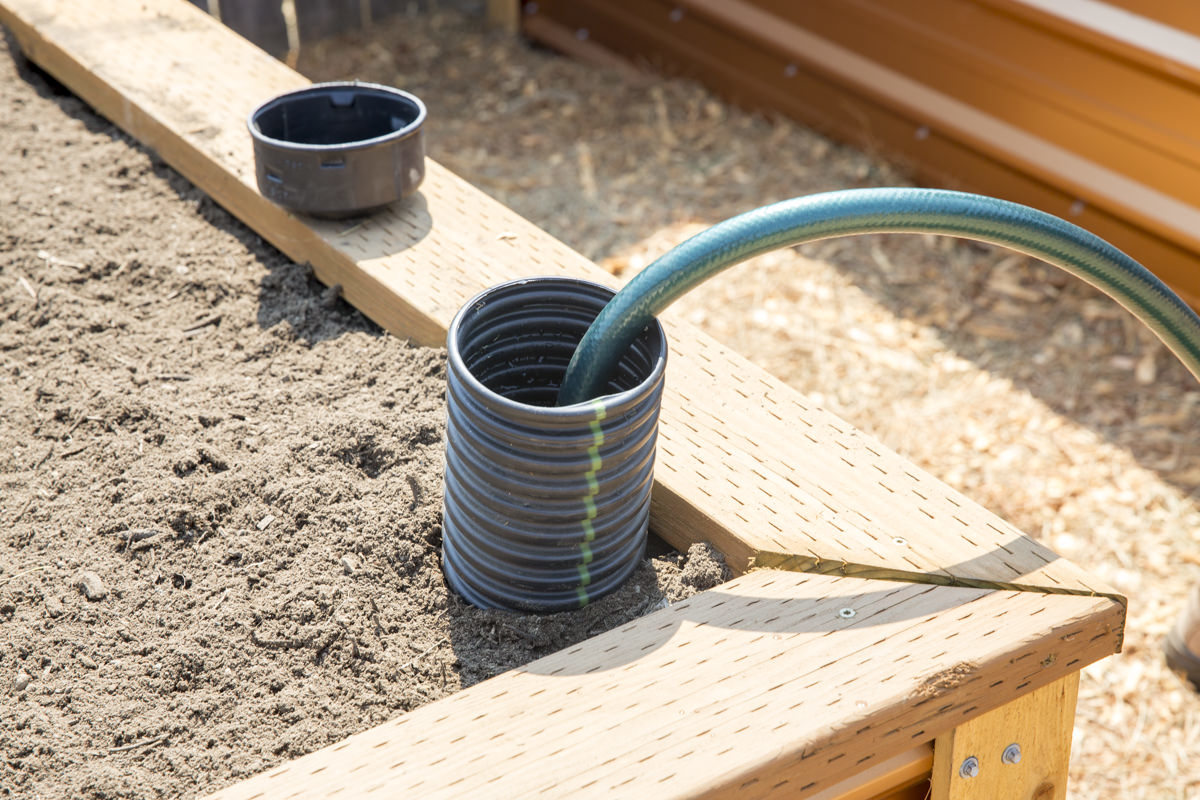 How To Build A Self Watering Raised Bed Part 2 Installing The Irrigation Dunn Diy