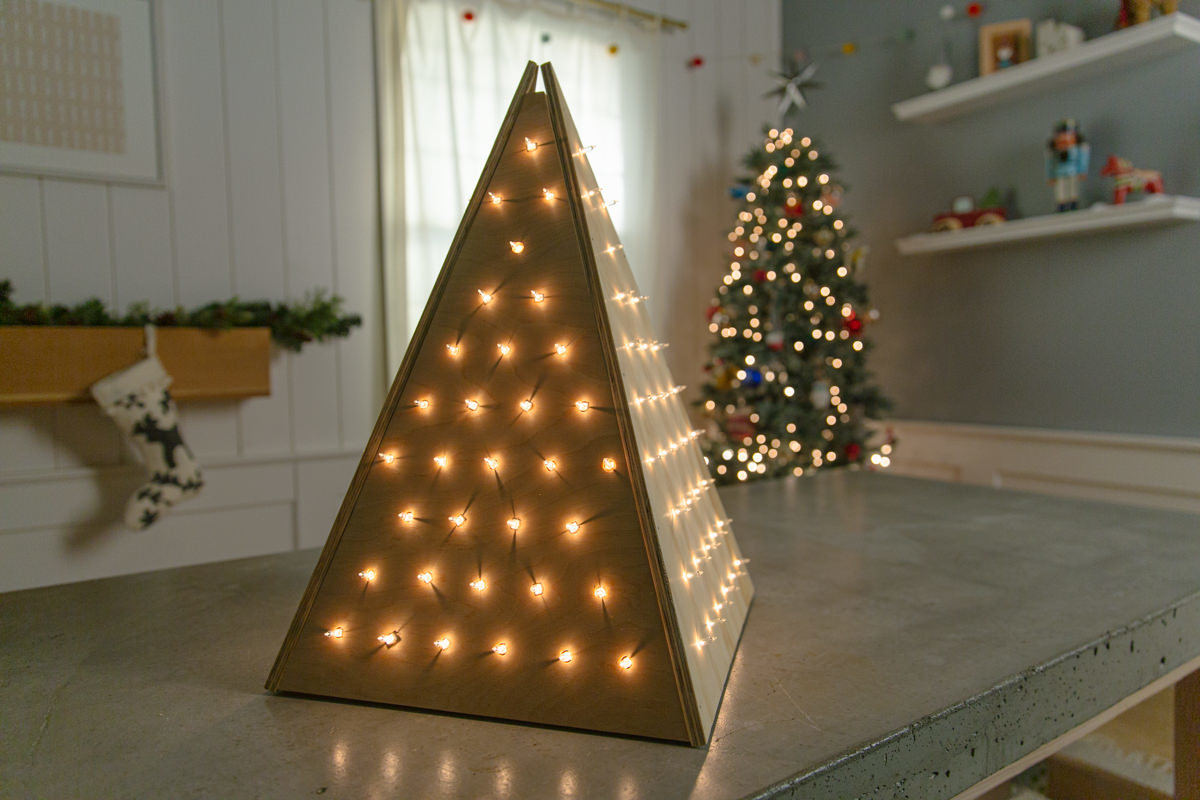 How To Make A Wooden Christmas Tree With Lights