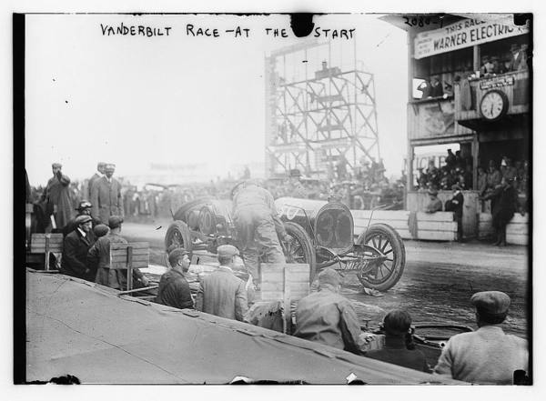 Vanderbilt Race - at the start