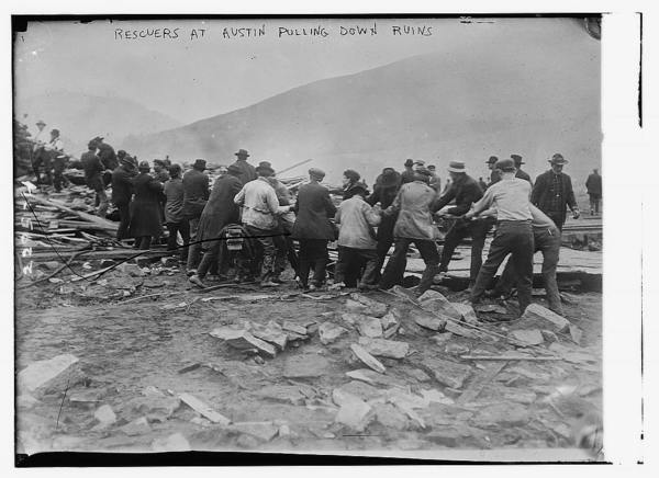 Rescuers at Austin pulling down ruins