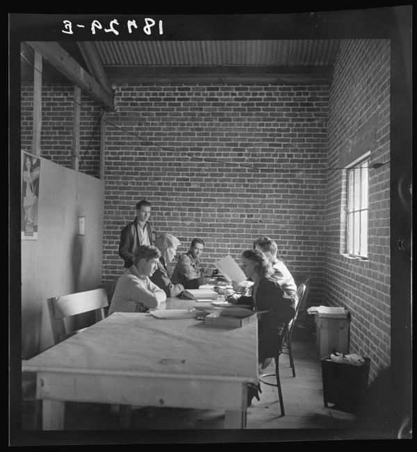 """Bakersfield, California. Applications for """"grants"""" during cotton pickers' strike"""