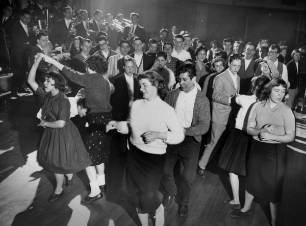 http://s3-us-west-2.amazonaws.com/familyhistorysite/photos/photos/000/064/532/large/getting_down_at_the_sock_hop.jpg?1493056676