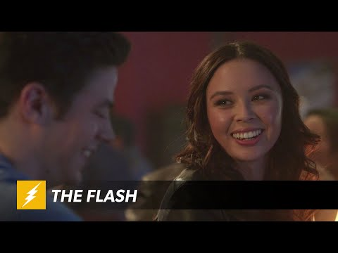 Barry Allen's Love Life Starting to Look Complicated on CW's The Flash