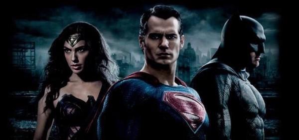 Shaky-cam Batman V. Superman: Dawn of Justice Trailer!