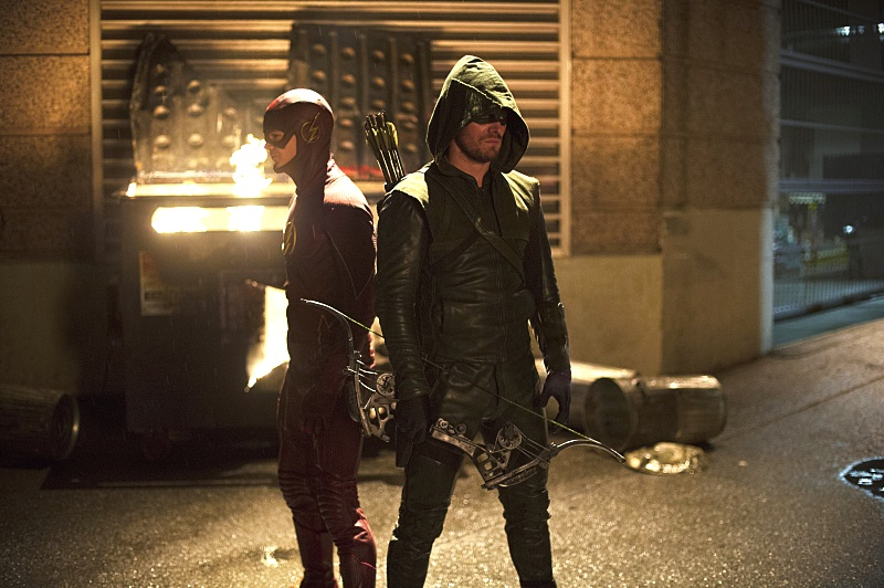 New Picture Shows Off the Arrow/Flash Crossover Event in Just Three Weeks!