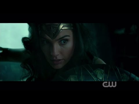 Wonder Woman Sneak Peek Shows a Fierce Amazon Warrior!