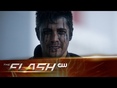 "Sneak Peek at The Flash ""Fast Lane"" Sees Harrison Wells Up to No Good!"