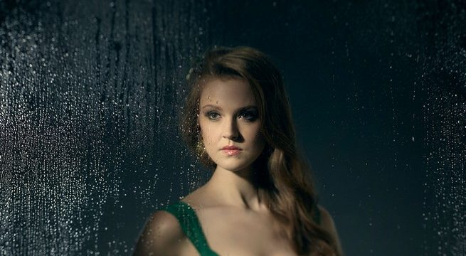 New Synopsis for Third Season of Gotham Explains Poison Ivy's Sudden Growth Spurt!