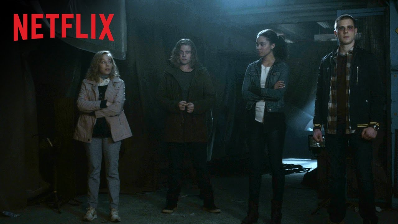 Time Travel Fans, Netflix's TRAVELERS Arrives December 23rd