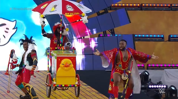 """WWE Superstars """"The New Day"""" Dress as FINAL FANTASY XIV Characters at WrestleMania 33"""