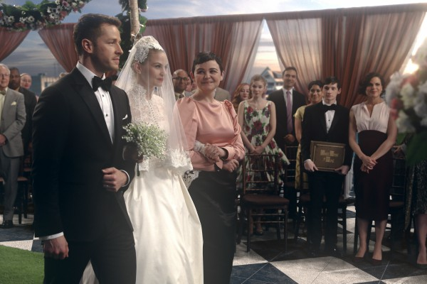 "Special Musical Swan and Hook Wedding on the Next ONCE UPON A TIME ""The Song in Your Heart"""