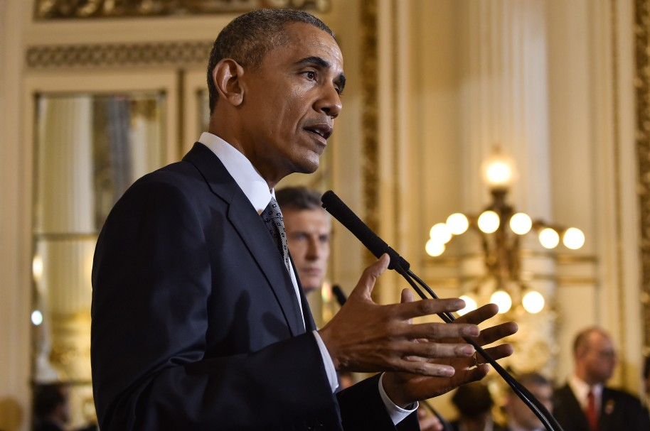 US President Barack Obama (L) and Argentinian President Mauricio Macri deliver a joint press conference at the Casa Rosada presidential palace  in Buenos Aires on March 23, 2016. The United States and Argentina sealed a major trade deal on the first day of President Barack Obama's visit Wednesday, bolstering the efforts of his counterpart to end a decade-and-a-half of international financial isolation. AFP PHOTO / Nicholas Kamm / AFP / NICHOLAS KAMM