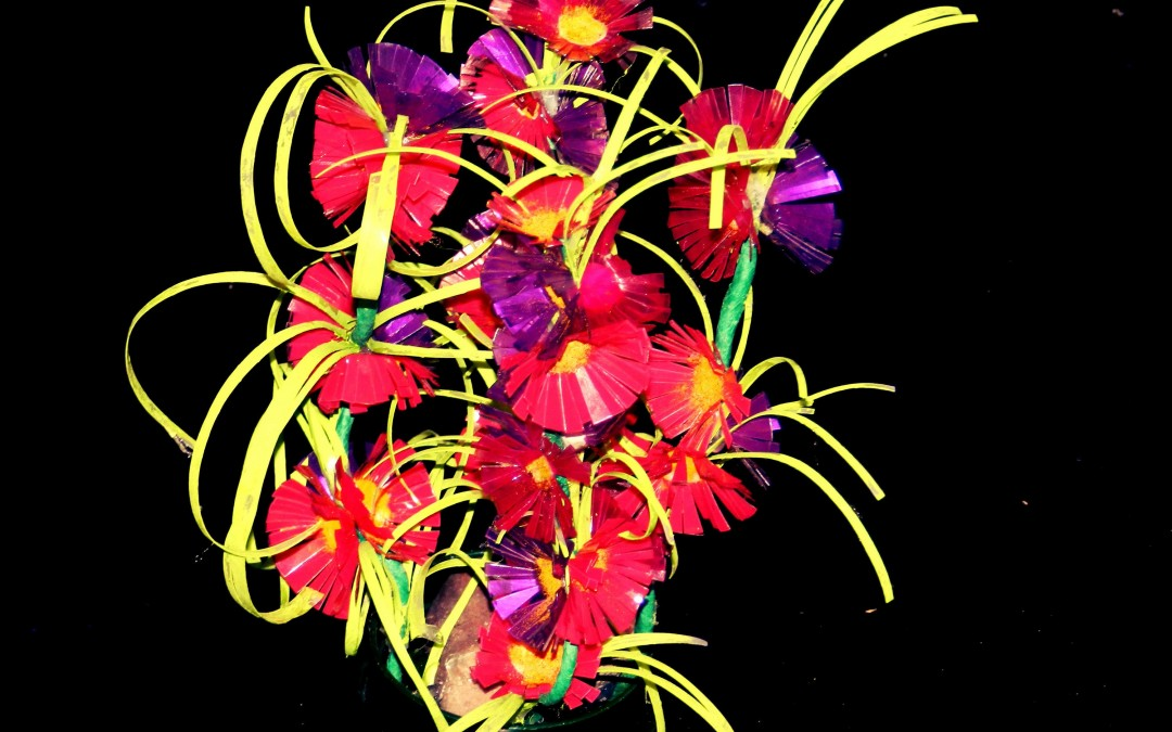 Recycled Plastic: Do-it-yourself Flower Showpiece created with plastic bottle