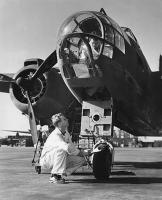 A-20_Havoc_Bomber_Factory_Airfield_Long_Beach_California_1942.thumb.jpg.85f41032ffe163f2ab826bdb1f80ac04.jpg