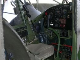 Cessna L-19 Bird Dog Cessna 305C cockpit .jpg