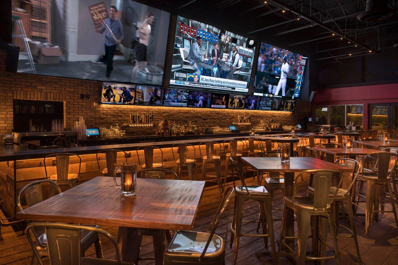Image 5 | Kings Dining & Entertainment - Boston Seaport