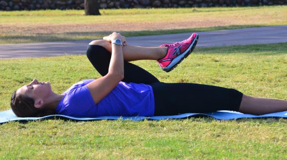 Ejercicio para estirar espalda baja