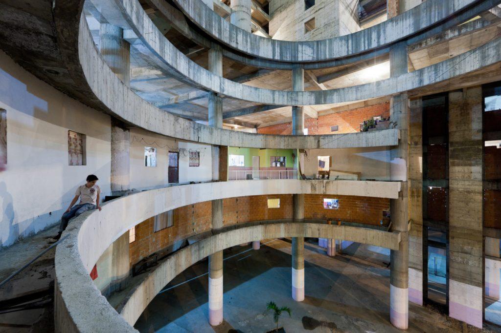 Fragen_Architektur_Caracas-1400x933