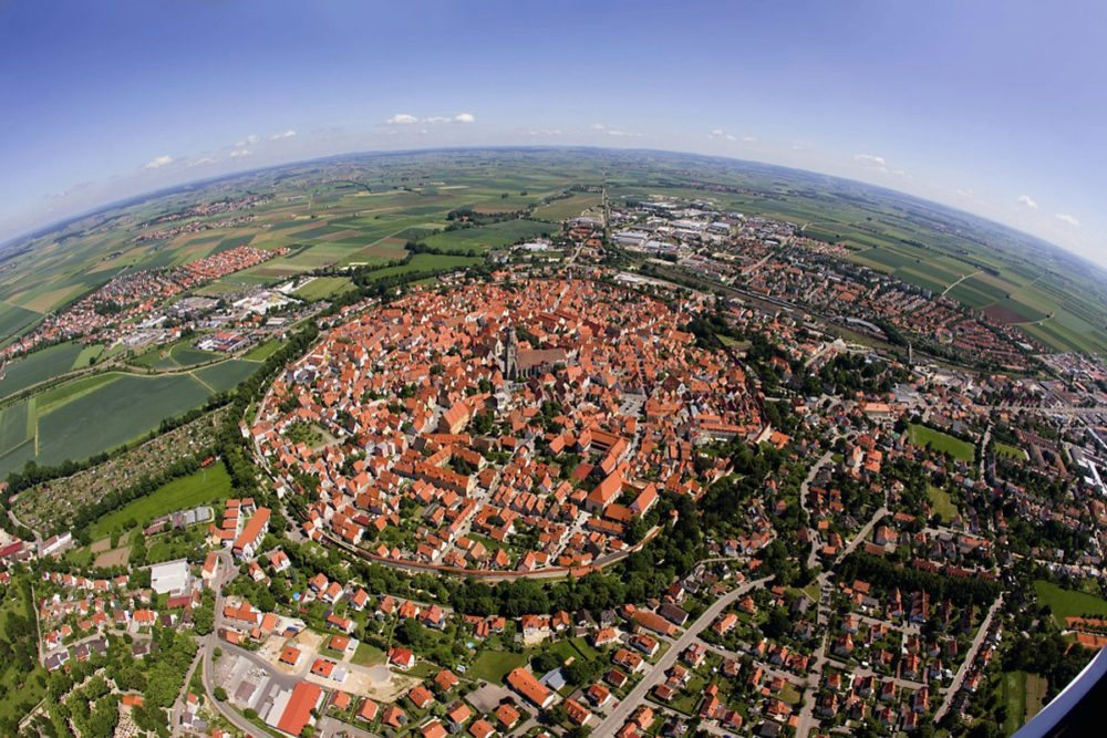 The German town of Nördlingen, still has it's medieval walls.