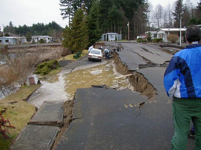 Soil liquefaction and lateral spreading in Tumwater, WA after the 2001 Nisqually Quake.