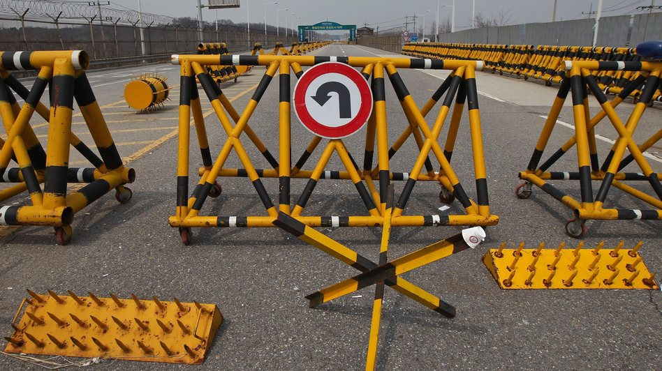 Do not enter: Barriers, including spikes, at the Military Demarcation Line (MDL) near the Demilitarized Zone (DMZ) in the Gyeonggi province, South Korea. Jeon Heon-kyun /EPA /LANDOV