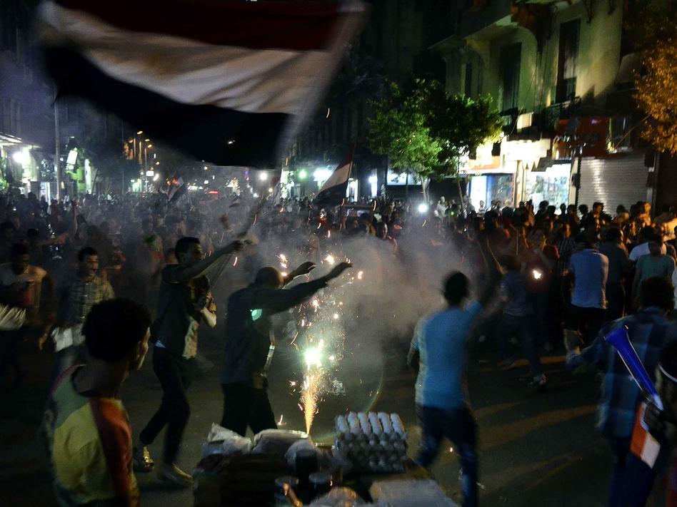 Image protests022way-33dce4bb4eea1f0b9348bb793f59c6080114ce58-s6.jpg