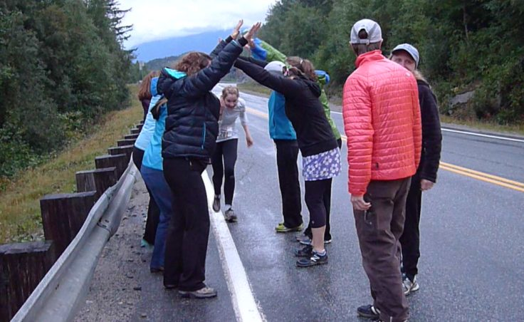 Klondike runners have fun supporting other runners