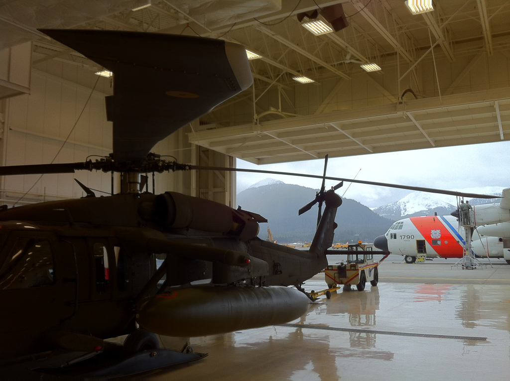 (Photo of the Alaska National Guard hangar in Juneau by U.S. Coast Guard Petty Officer 1st Class Sara Francis)