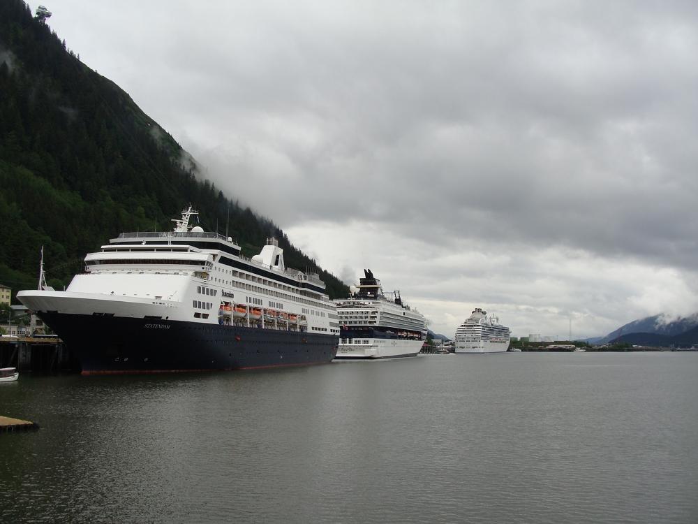 Juneau cruise ship berths