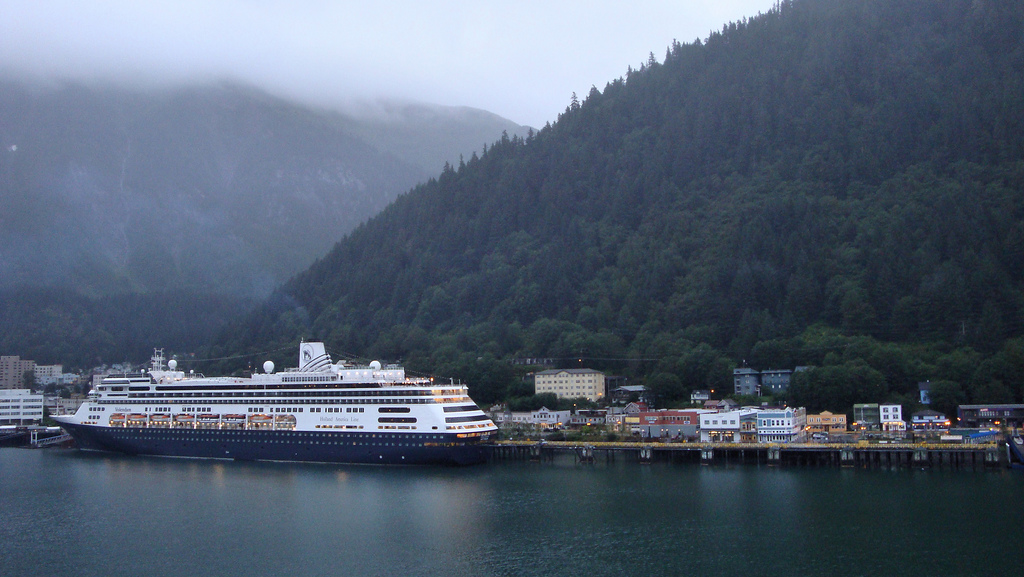 Holland America's Volendam in Juneau. (Photo by Thom Watson/Flickr Creative Commons) https://www.flickr.com/photos/thomwatson/3046426811#