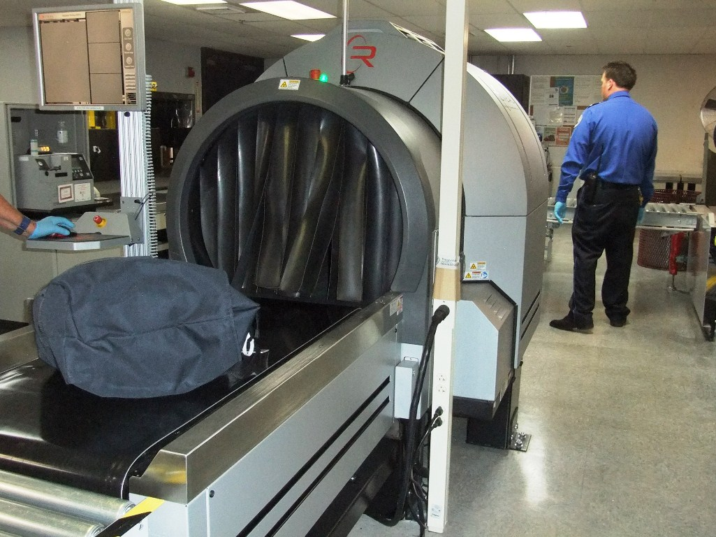 Airport Baggage Handling Scan : Juneau airport gets second scanner for checked baggage
