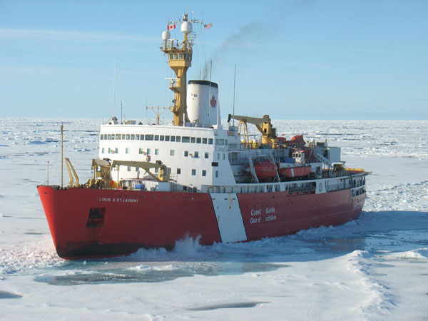 Canadian Coast Guard Ship Louis S. St-Laurent (Photo courtesy of Fisheries and Oceans Canada)
