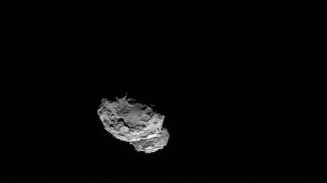 The Rosetta spacecraft took this image of comet 67P/Churyumov-Gerasimenko on 4 August 2014 from a distance of just 145 miles. ESA/Rosetta/NAVCAM