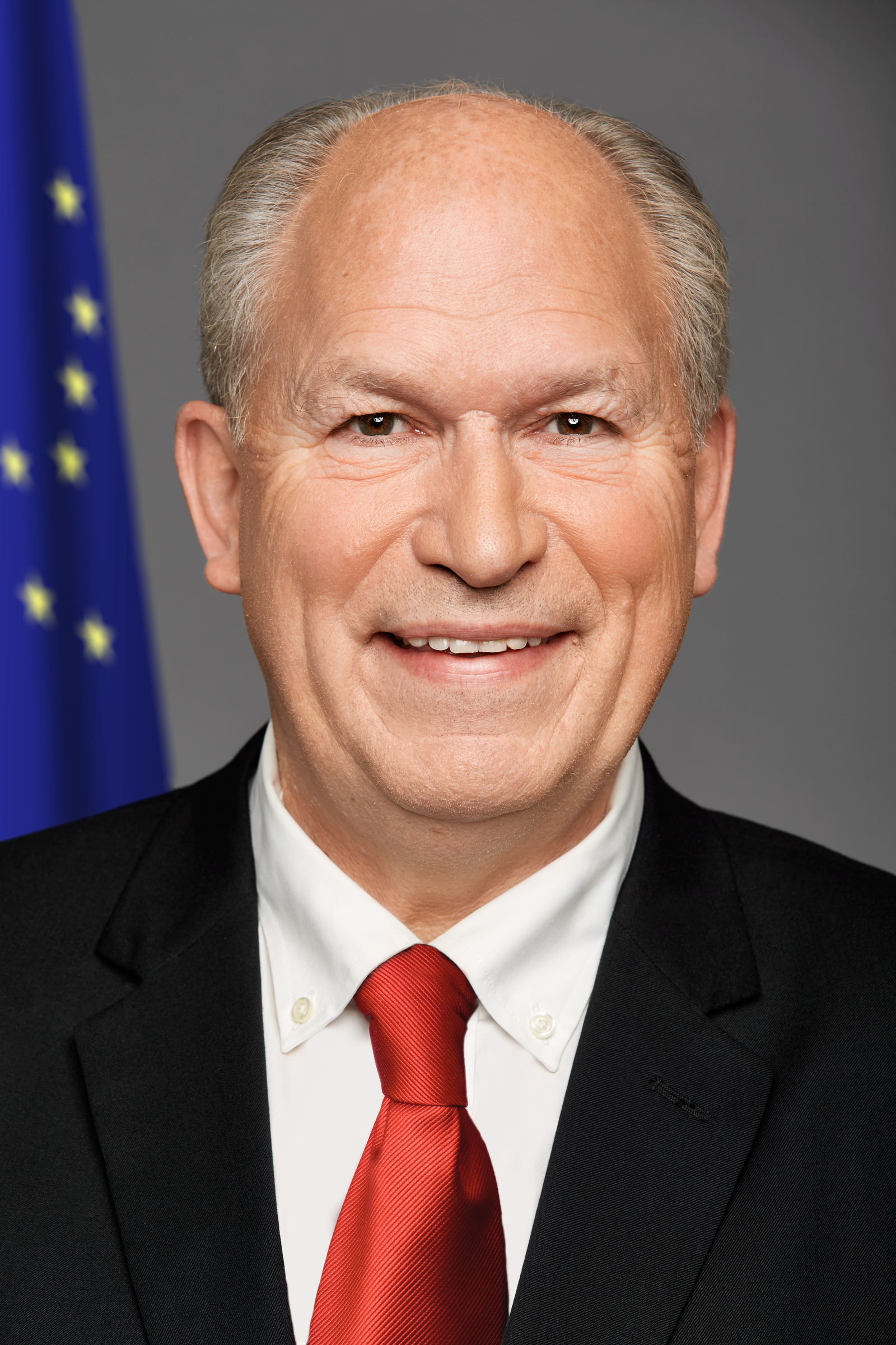 Gov. Bill Walker official portrait. (Courtesy State of Alaska)