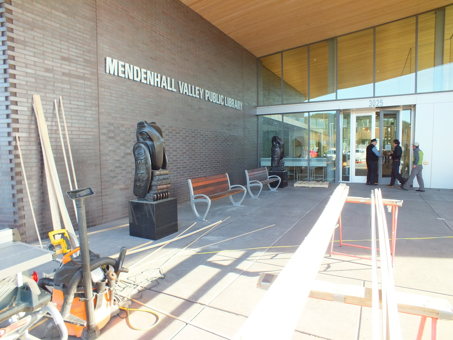 The new Mendenhall Valley Public Library. (Photo by Matt Miller/KTOO)