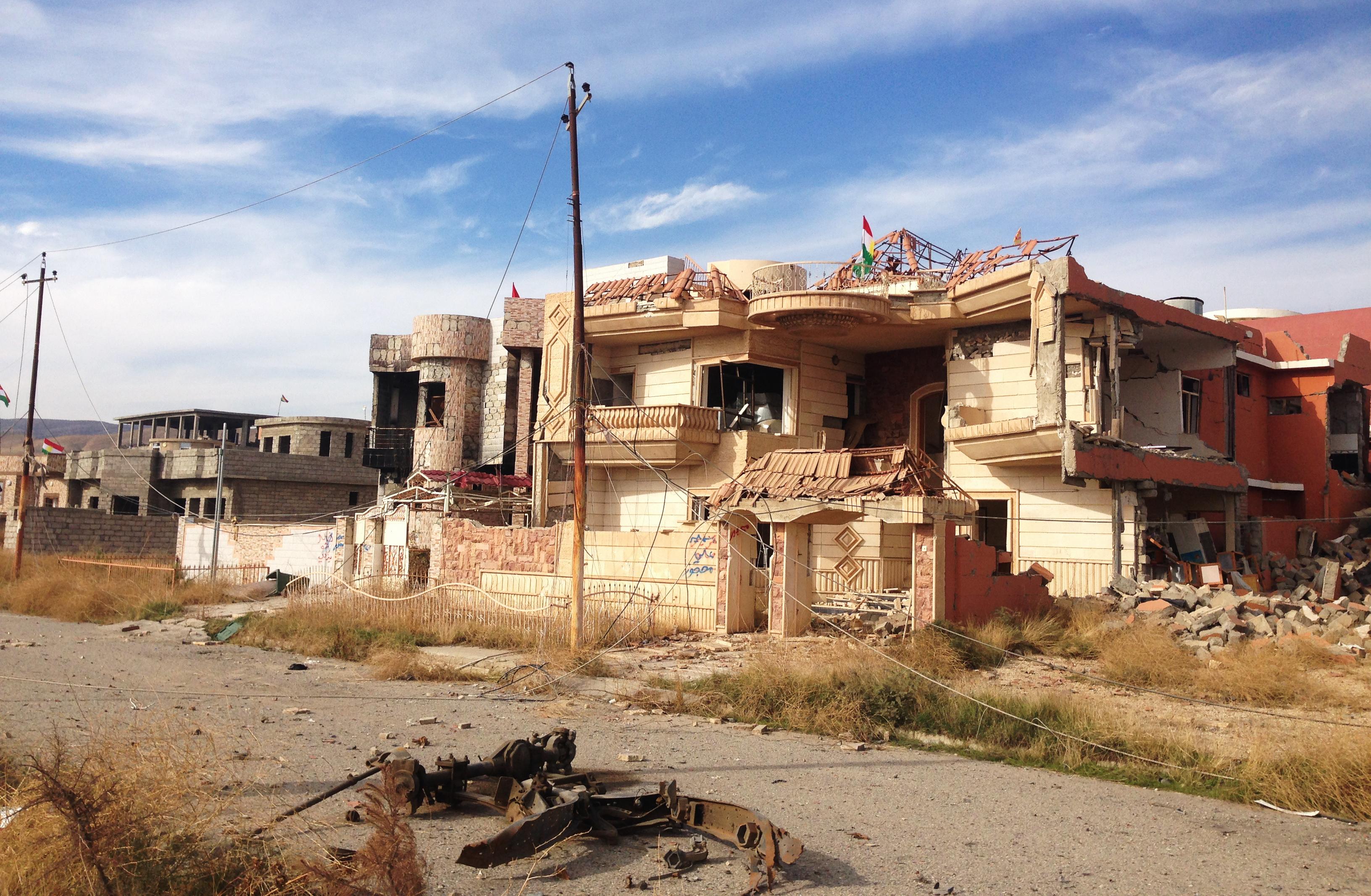 Sinjar city in ruins