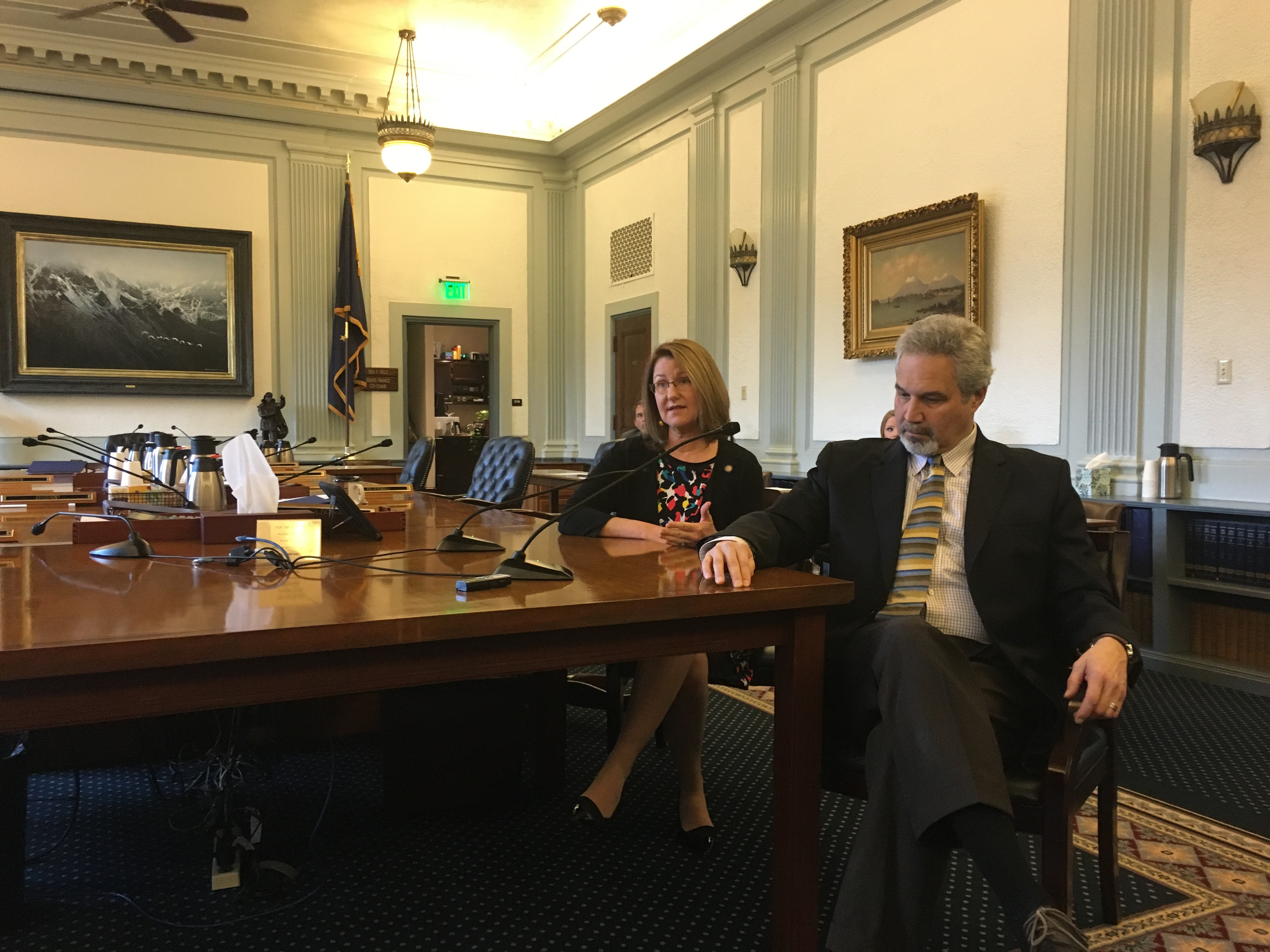 Senate Finance Committee Co-Chairpeople Anna MacKinnon and Pete Kelly discuss the budget. (Photo by Andrew Kitchenman)
