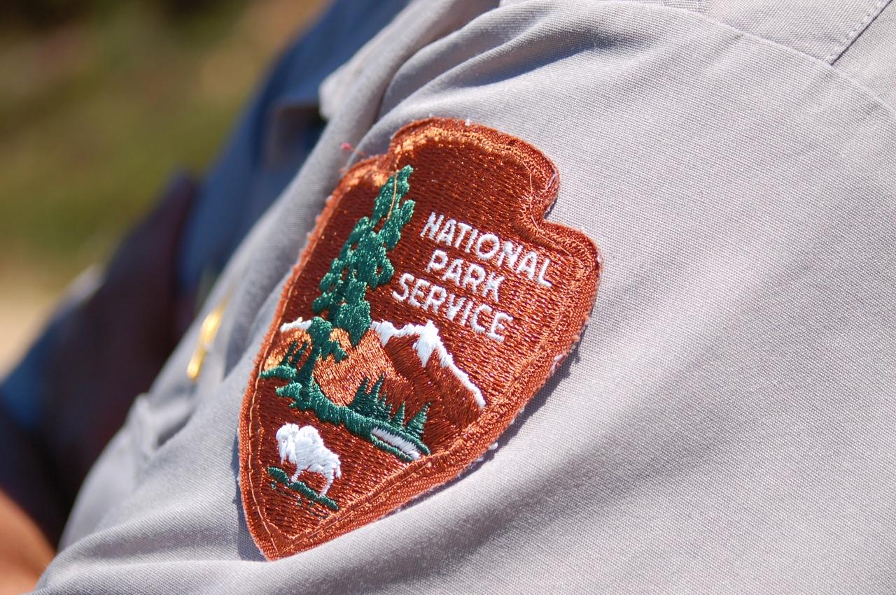 national park service badge logo