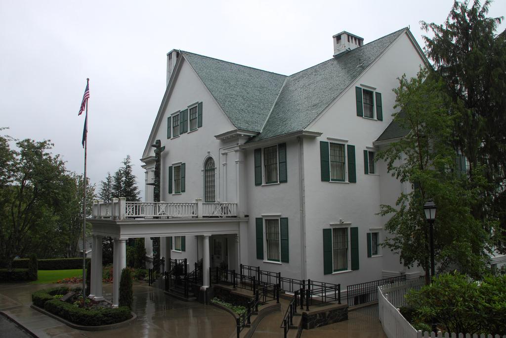 Alaska Governor's Mansion house 2009