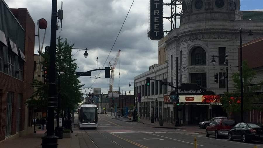 Kansas City, Mo., is launching its smart city efforts along its new streetcar corridor. (Photo courtesy of Pew Charitable Trusts)