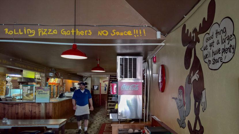 Bullwinkle's Pizza Parlor 2016 05 20