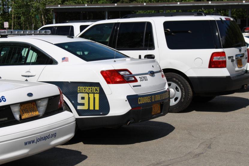 2 officers injured in Anchorage standoff gunfire