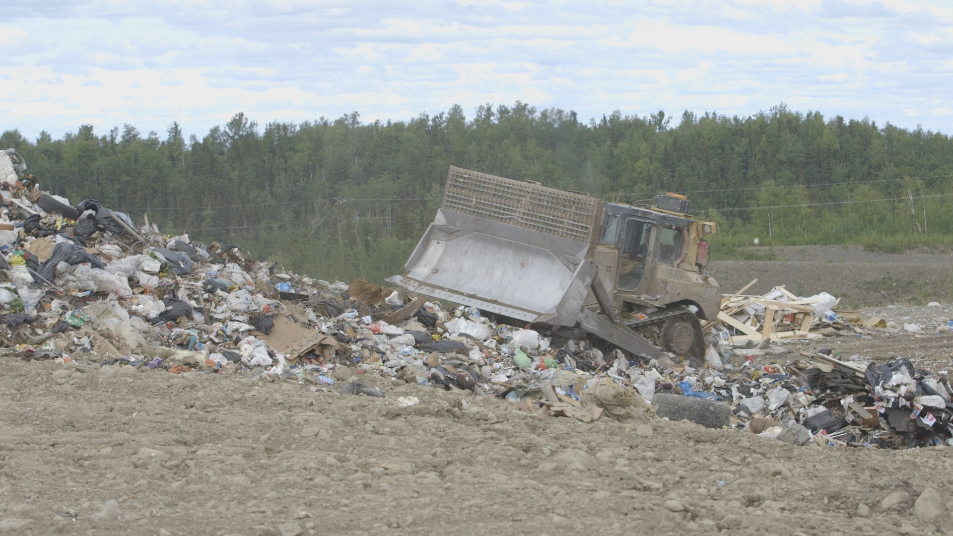 Anchorage Regional Landfill 2016 Alaska's Energy Desk/Eric Keto