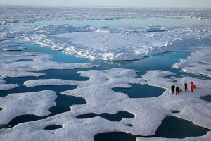 NOAA scientists on a 2005 mission in the Arctic. (Photo: NOAA)