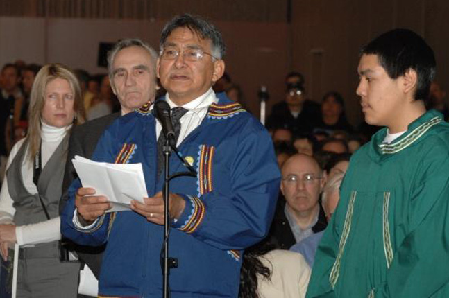 Then-North Slope Borough Mayor Edward Itta testifying before Department of Interior Secretary Ken Salazar, 2009. (Photo courtesy of the Department of the Interior)