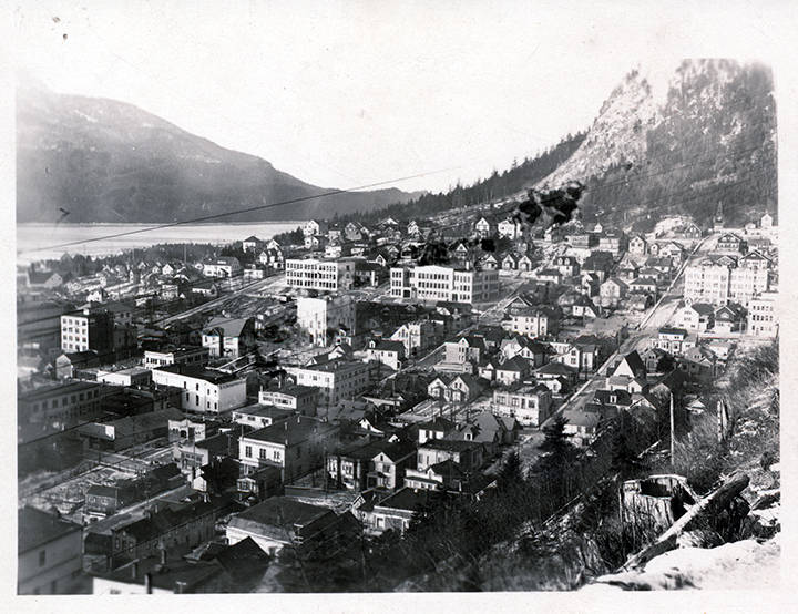 Aerial photo of Juneau taken sometime between 1939 and 1959.