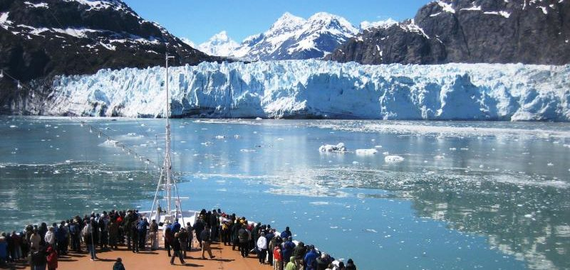 Cruise ship approaches Margerie Glacier in Glacier Bay National Park. (National Park Service)
